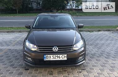 Седан Volkswagen Polo 2015 в Хмельницком