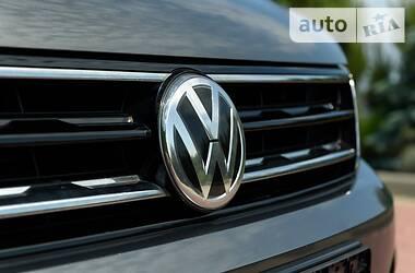 Внедорожник / Кроссовер Volkswagen Tiguan 2017 в Черновцах