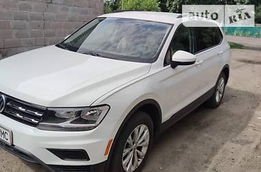Внедорожник / Кроссовер Volkswagen Tiguan 2018 в Великой Новоселке