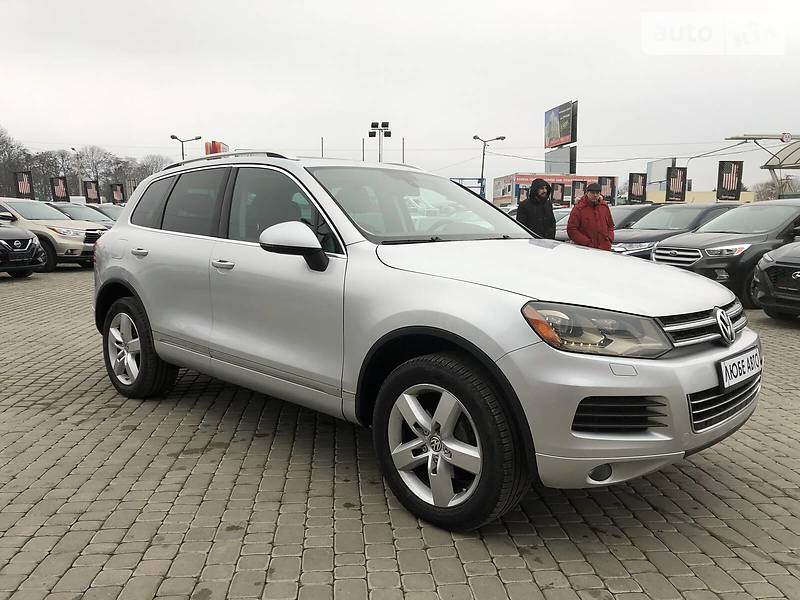 https://cdn2.riastatic.com/photosnew/auto/photo/volkswagen_touareg__366990362f.jpg