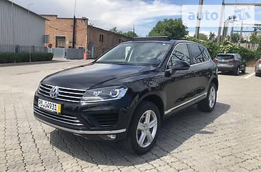 Внедорожник / Кроссовер Volkswagen Touareg 2015 в Черновцах