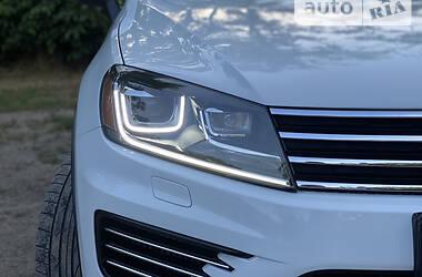 Позашляховик / Кросовер Volkswagen Touareg 2015 в Одесі