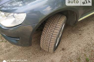 Позашляховик / Кросовер Volkswagen Touareg 2009 в Києві
