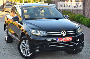 Внедорожник / Кроссовер Volkswagen Touareg 2011 в Ровно