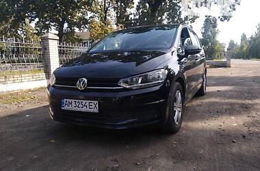 Мінівен Volkswagen Touran 2016 в Києві