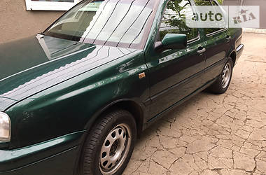 Volkswagen Vento 1995 в Новотроицком