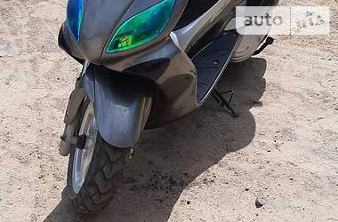 Максі-скутер Yamaha Maxster 2005 в Лебедині