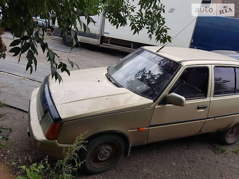 Лифтбек ЗАЗ 1103 Славута 2001 в Мариуполе