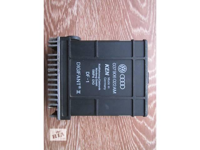 купить бу Блок управления двигателем 037906022AM Volkswagen Passat B3 1.8 бензин (PF) 1988 - 1993 гв. в Нововолынске