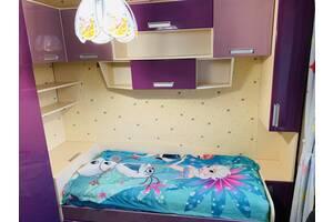 Продается детская спальня + стол для обучения