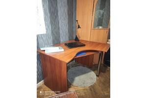 СРОЧНО продам угловой шкаф для одежды + компьютерный стол Киев