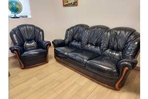 Кожаный 3-местный диван с креслом