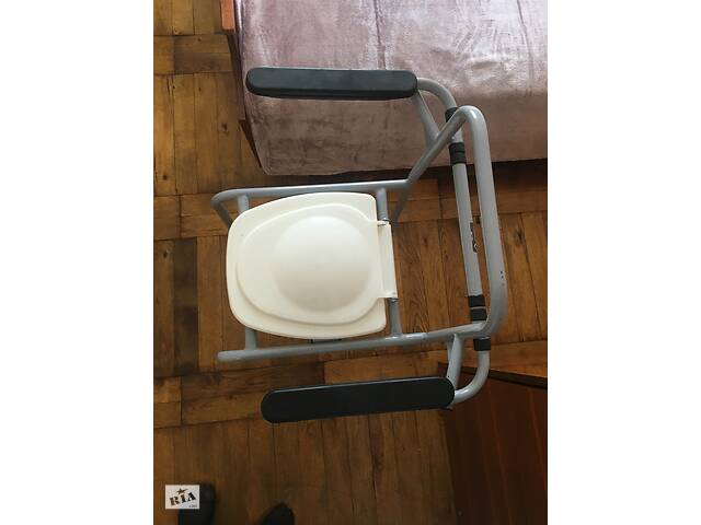 бу Стул-Туалет с откидными подлокотниками в Запорожье