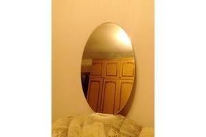 Зеркало навесное,овальное.