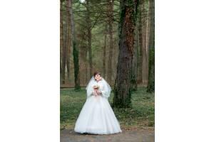 Б/у весільне плаття розмір 42-44, зріст 160-165 + 10 см каблук