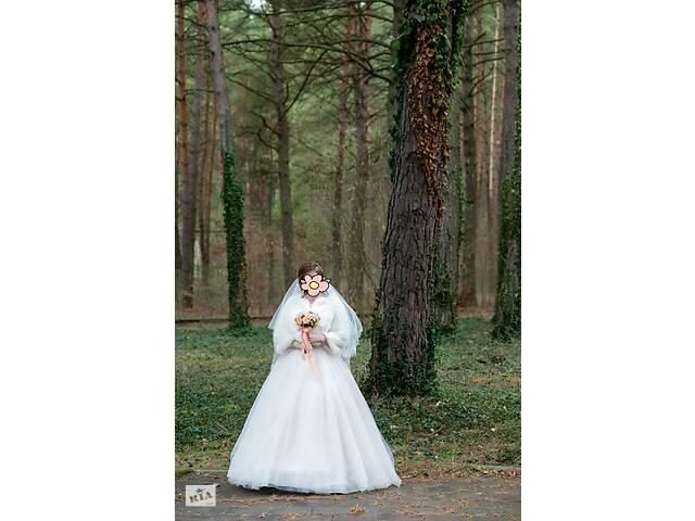 Б/у плаття весільне розмір 42-44, зріст 160-165 + 10 см каблук- объявление о продаже  в Ровно