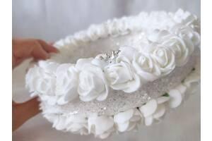 Блестящая подушечка для обручальных колец из роз белая круглая LA BEAUTY Studio