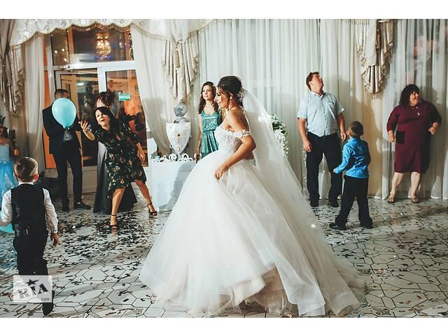 Красивущее,нежное,легкое,пышное,дизайнерское свадебное платье- объявление о продаже  в Одессе