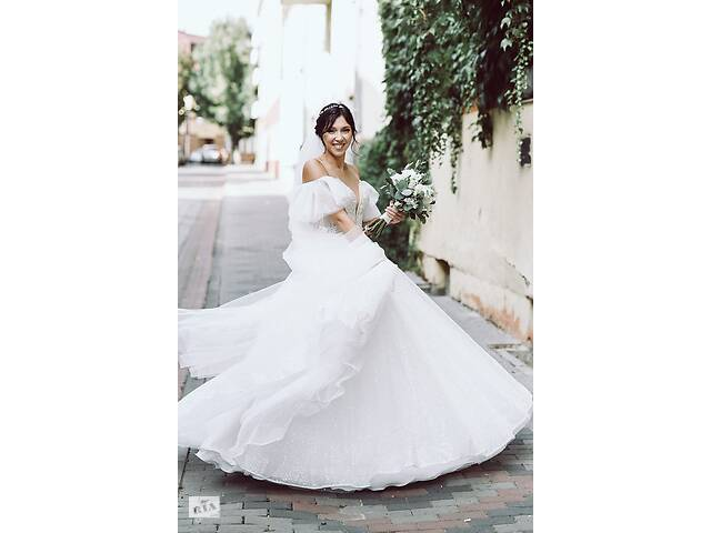 Нежная и очень красивая свадебное платье- объявление о продаже  в Луцке