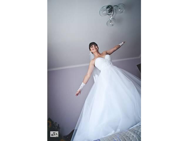 Продам свадебное платье- объявление о продаже  в Белой