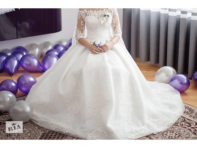 Сукня весільна дуже вишукана- объявление о продаже  в Костополе