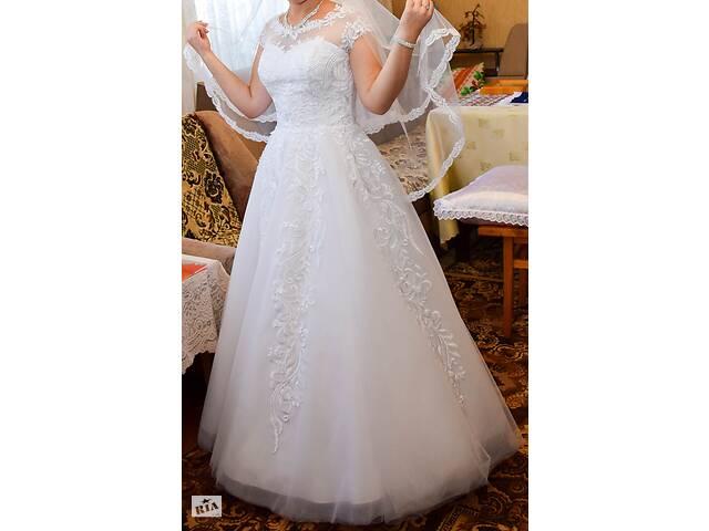 продам Свадебное платье бу в Андрушевке