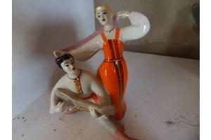 Антикварные фарфоровые статуэтки