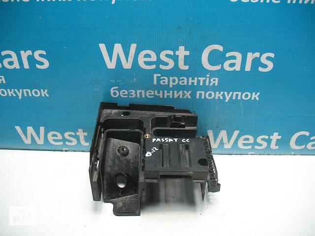продам Б/У 2006 - 2015 Passat CC Кронштейн блоку запобіжників 2.0 TDI. Вперед за покупками! бу в Луцьку