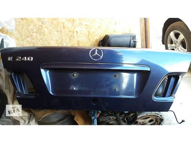 купить бу Б/у багажник для седана Mercedes E-Class W210 в Киеве