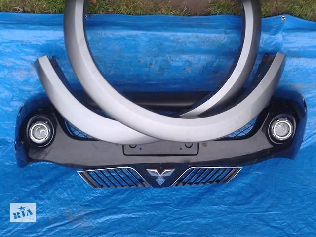 купить бу Б/у бампер передний для кроссовера Mitsubishi L 200 в Ровно