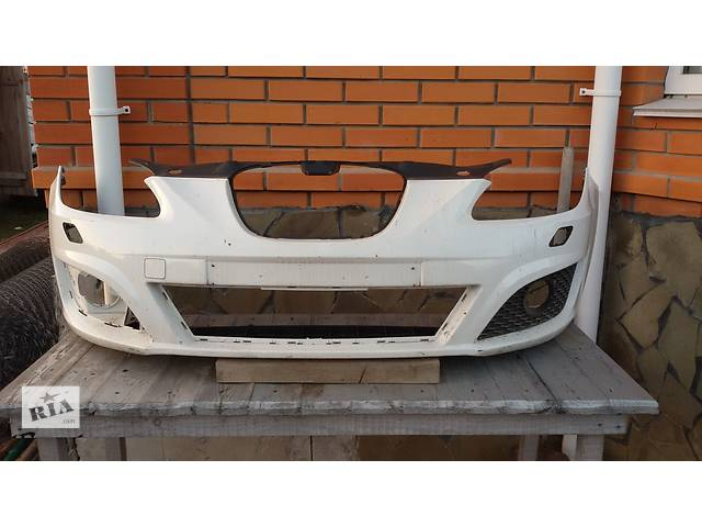 купить бу Б/у бампер передний для легкового авто Seat Leon в Киеве