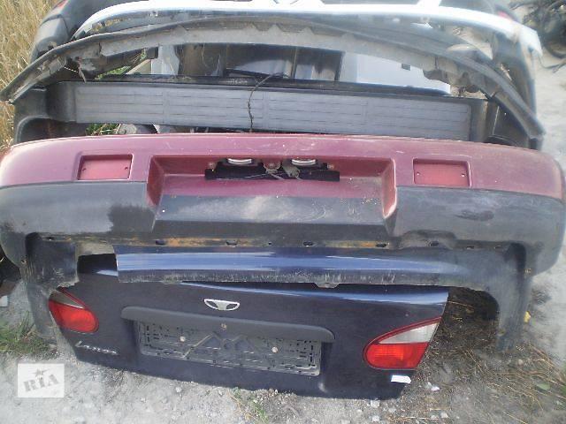 купить бу Б/у бампер задний для седана Nissan Maxima 1993 в Киеве