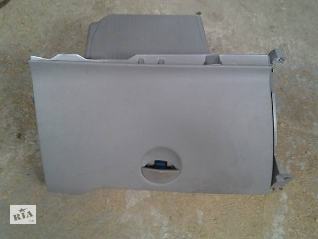купить бу Б/у Бардачок Легковой Renault Kangoo 1,5 пасс. 2009 в Луцке