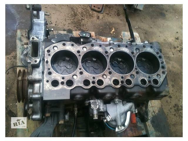 бу Б/у блок двигуна для легкового авто Nissan Terrano 2.4 в Ужгороде