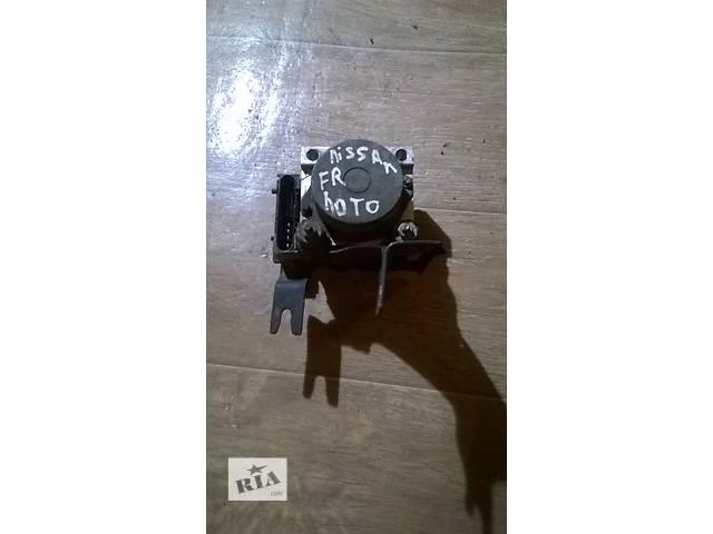 купить бу Б/у блок управления abs 47660-9U06B для хэтчбека Nissan Note 2006г в Николаеве