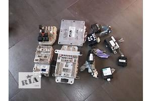 б/у Блоки управления двигателем Toyota Rav 4