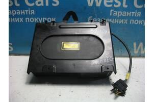 Б/У CD-чейнджер Leon 2003 - 2010 1J6035111. Лучшая цена!