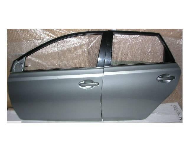 бу Б/у дверь передняя для легкового авто Toyota Auris KOMBI в Ровно