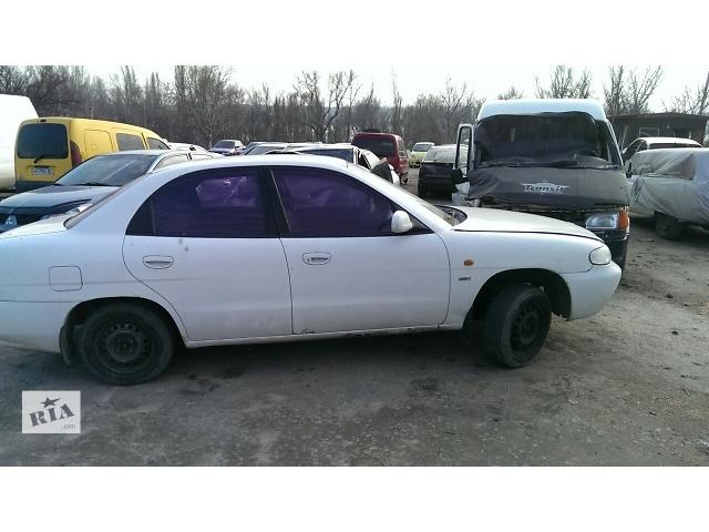 купить бу Б/у дверь передняя для седана Daewoo Nubira 1999 в Запорожье