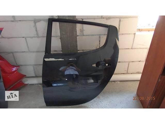 продам Б/у дверь задняя для кроссовера Mitsubishi L 200 бу в Ровно