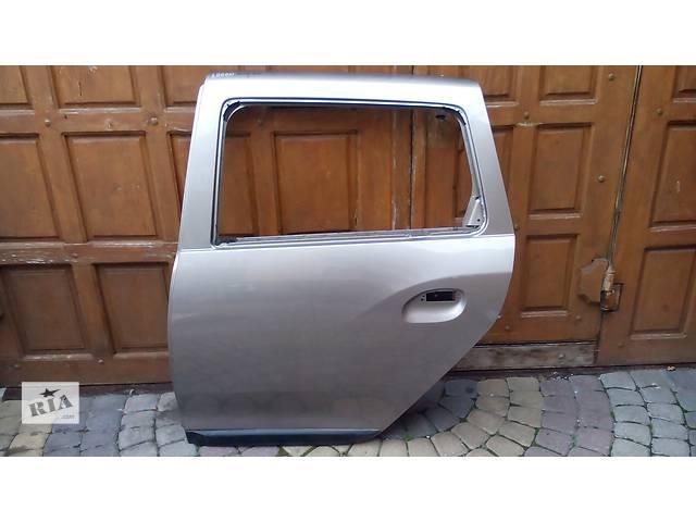 продам Б/у дверь задняя для легкового авто Renault Logan бу в Львове