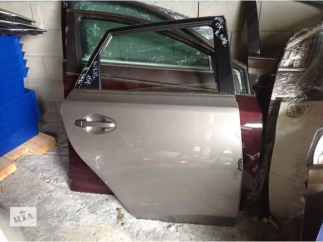 Б/у дверь задняя для легкового авто Toyota Auris- объявление о продаже  в Ровно