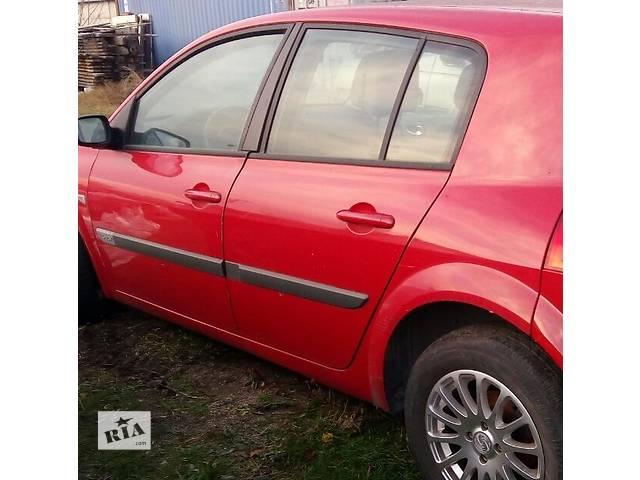 купить бу Б/у дверь задняя левая для хэтчбека Renault Megane Hatchback 5D 2006г в Киеве