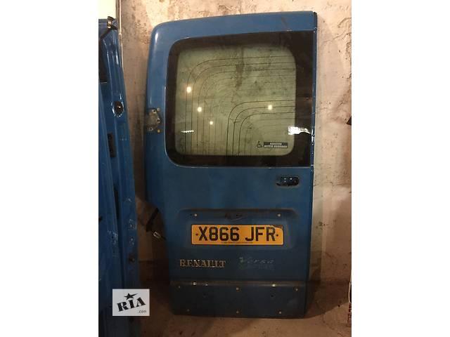продам Б/у дверь задняя левая правая низкая для легкового авто Renault Master 97-10 бу в Ужгороде