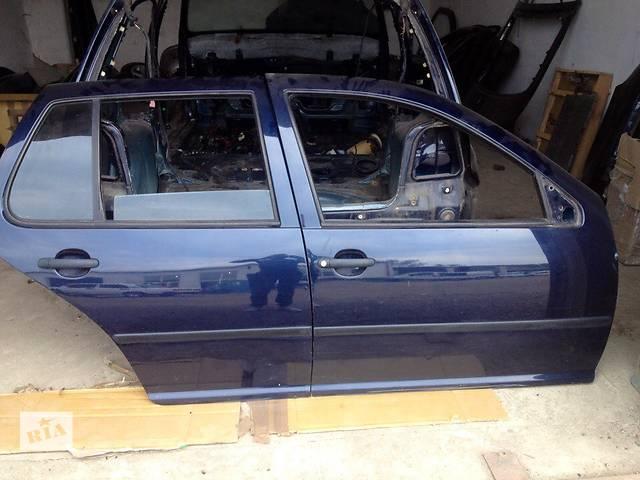 продам Б/у дверь задняя правая в зборе для хэтчбека Volkswagen Golf IV 2001 года бу в Хусте