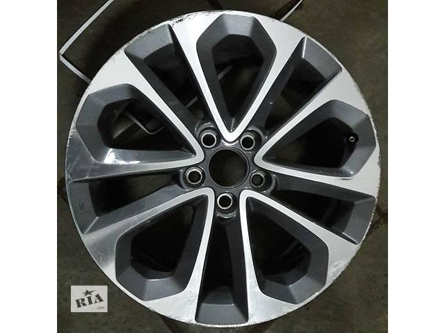 купить бу Б/у диск для легкового авто Honda Accord в Киеве