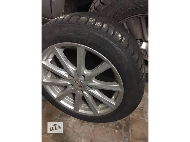 купить бу Б/у диск с шиной для легкового авто 225/50/R17 в Киеве