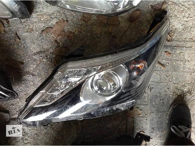 купить бу Б/у фара для легкового авто Toyota Avensis в Ровно