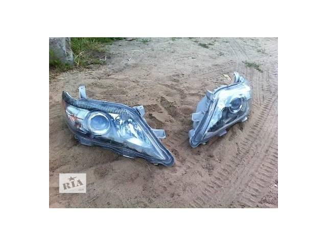 продам Б/у фара для легкового авто Toyota Camry бу в Ровно