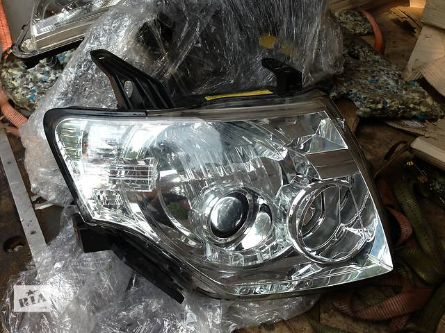 продам Б/у фара правая Mitsubishi Pajero Wagon бу в Киеве